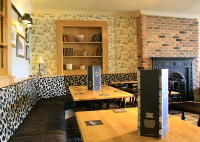the_waggon_inn_interior_01