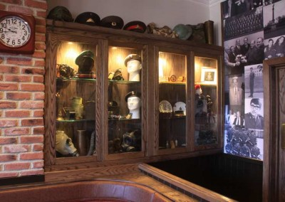 Gunners Club Display Cabinet 03